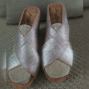 Luck Brand☀ Wedge Sandal Slip-On Bronze Metallic